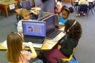 Docentes y programas de estudio deben buscar adaptarse a las nuevas soluciones tecnológicas educativas