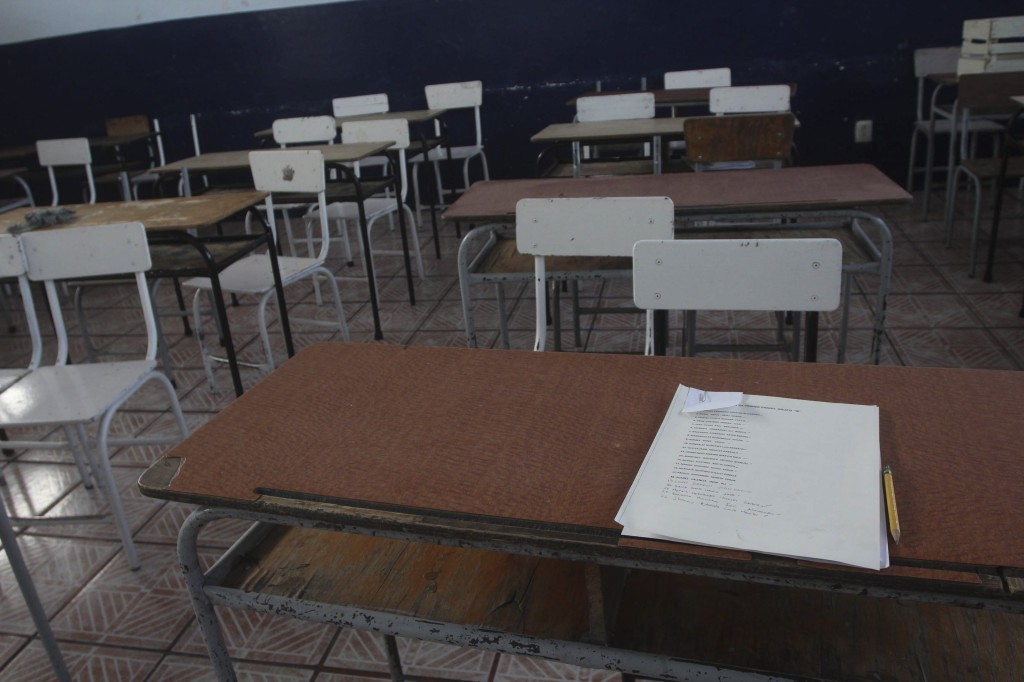 Alumnos, dispuestos a regresar a clases presenciales pero condiciones no son favorables