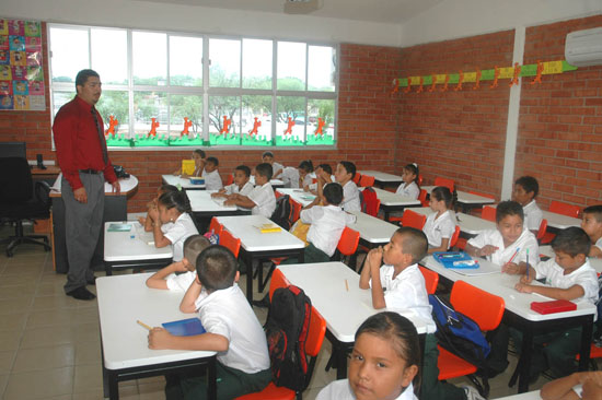 inauguracion-de-la-escuela-pri_3