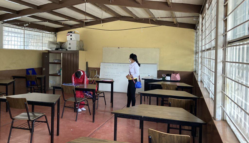 En primer día de clases no llegó el 54% de alumnos y no abrieron el 48% de las escuelas
