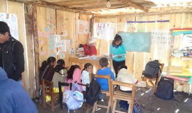 Piden mejorar condiciones de los Líderes Educativos CONAFE